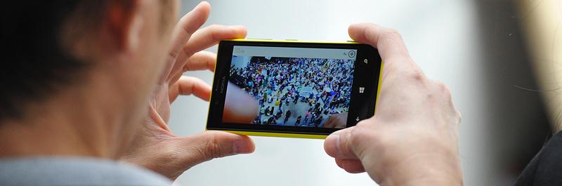 برای جذب مخاطب بیشتر و رسیدن به کمپین ویدیویی موفق ویدیوی خود را مناسب پلتفرم موبایل هم بسازید