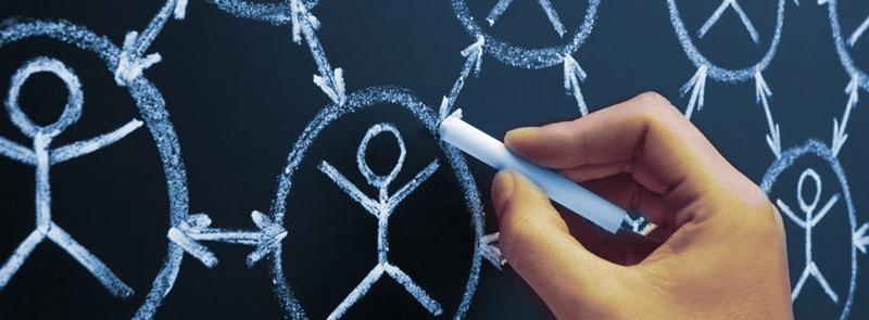 اشتراک ویدیوهای مرتبط با برند خود از مهمترین فعالیتهای روزانه است.